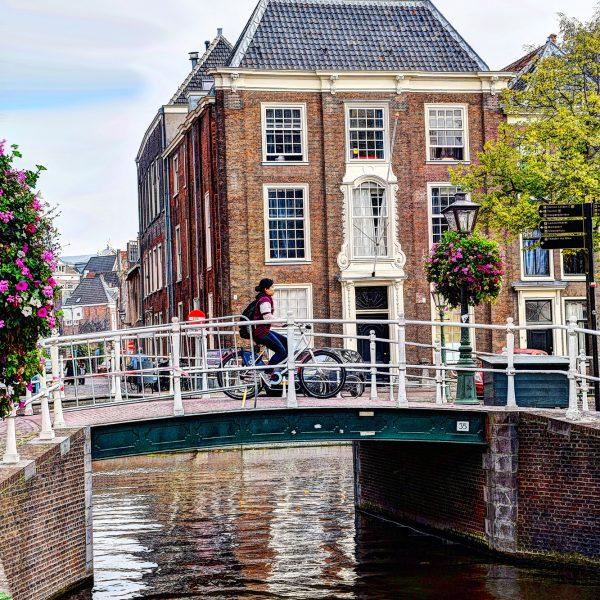 Brug over Groenhazengracht - Rapenburg Leiden