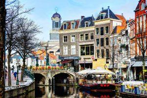 Nieuwe Rijn met Hartebrugkerk 2 Leiden